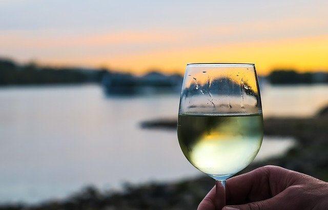 お値段以上の味わい!安くて美味しい白ワイン3選【厳選】